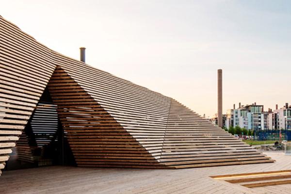 Ravintola Löylyn moderniin arkkitehtuuriin istuva turvajärjestelmä